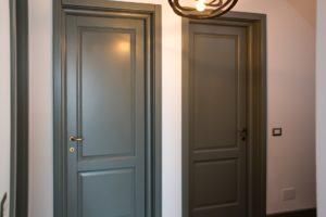 uși din lemn masiv la comandă